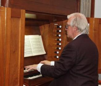 Henk de Croon 40 jaar muzikaal begeleider